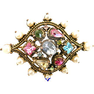 29909a - Signed Hollycraft 1951 Color Pastel Rhinestones & Faux Pearls Brooch