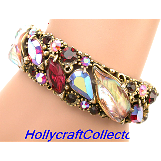 29981a - Hollycraft Red Pink Red AB Wine & Pink AB Molded Leaves Hinged Bracelet