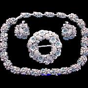 30099a - Hollycraft 1953 Aqua Petals Flowers Dog Collar Brooch & Earrings Set