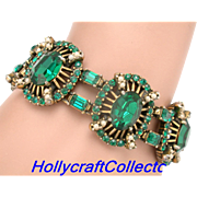 30645a - Signed Hollycraft 1953 Green Emerald Stones & Creamy Pearls Bracelet