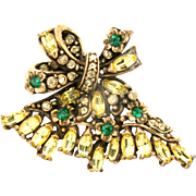 30810a - Hollycraft 1950 Jonquil Flower & Oval Peridot Stones Medium Fan Brooch