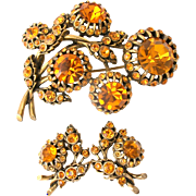 30842a - Hollycraft Topaz Color Stones 5 Bud-Flower Shaped Pin & Earrings Set