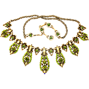 30921a - Signed Hollycraft 1955 Two Tones Of Green & Yellow Rhinestones Necklace