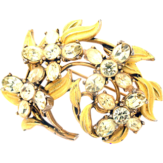 31200a - Signed Hollycraft 1955 Jonquil Stones & Yellow Enameled Leaves Brooch