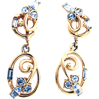 31240a - Signed Hollycraft 1955 Light Sapphire Rhinestones Dangle Clip Earrings