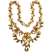 31634a - Signed Hollycraft 1952 Jonquil & Topaz Stones Huge BIB Necklace