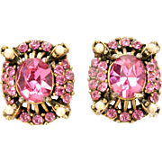 31703a - Signed HOLLYCRAFT 1953 Pink & Simulated Half Pearls Earrings Set