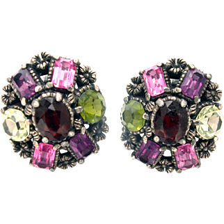 32243a - Hollycraft 1954 Purple Green Red Rose Yellow Small Clip Earrings