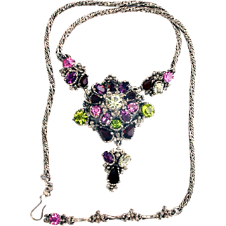 32268a - Signed Hollycraft 1954 Purple Peridot Rose Red Yellow Necklace