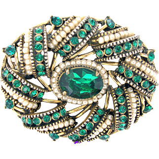32730a - Signed HOLLYCRAFT 1954 Egg Shape Green Emerald & Seed Pearls Brooch/Pin