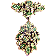 32868a - Signed Hollycraft 1950 Peridot Green Rhinestones Dangle Brooch/Pin