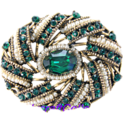 33313a - Signed HOLLYCRAFT 1954 Egg Shape Green Emerald & Seed Pearls Brooch/Pin