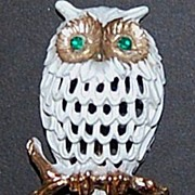 NAPIER White Owl w/ Green Rhinestone Eyes Pin