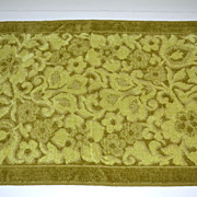 1970s Pequot ~ Plush Avocado Green Hand Towel