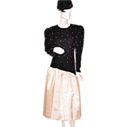 1970/80s Pantagis ~ ILGWU Faux Pearl & Black Velvet Dress