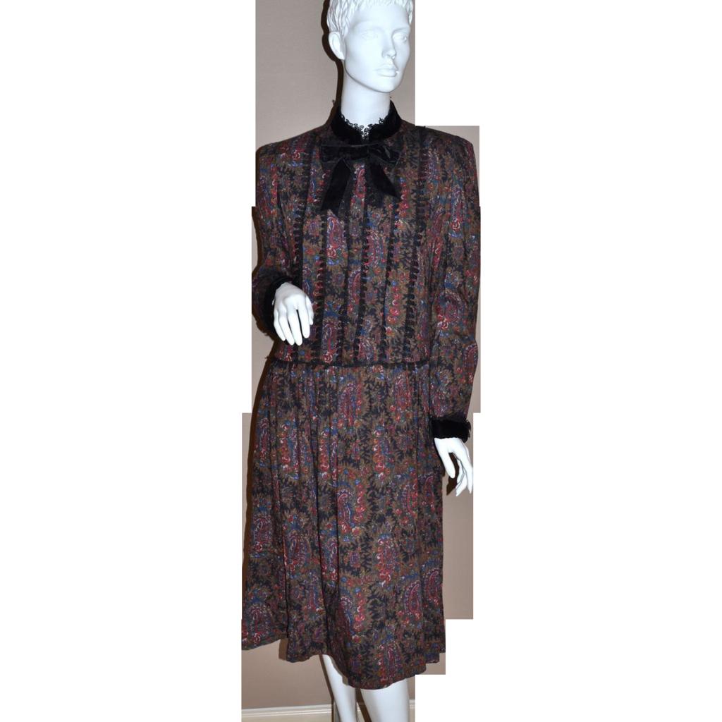 1970/80s Oscar de la Renta ~ Victorian Style Gothic Lace Floral Dress