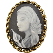 Signed/Numbered Lily Sixsmith Black & White Porcelain Cameo Pendant/Brooch/Pin