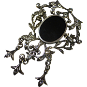 Mobile Art Deco style silver Brooch