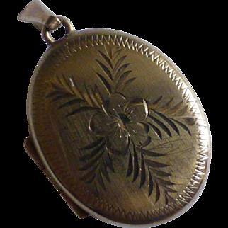 Oval Diamond Cut Gold Locket
