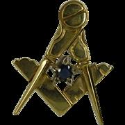 Masonic pendent. ENGLISH Hallmark for 9 carat yellow gold.