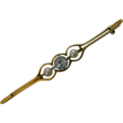 Charming ENGLISH 15ct gold Aquamarine & Pearl Brooch