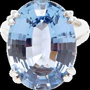 Beautiful Fine 20 Carat Blue Topaz White Gold Estate Ring