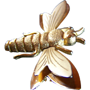 PRICE REDUCED !!! Ehrlick & Sinnock ~ REDUCED AGAIN ~ Vintage Brooch ~ Gold Tone Bee/Wasp With Moving Wings
