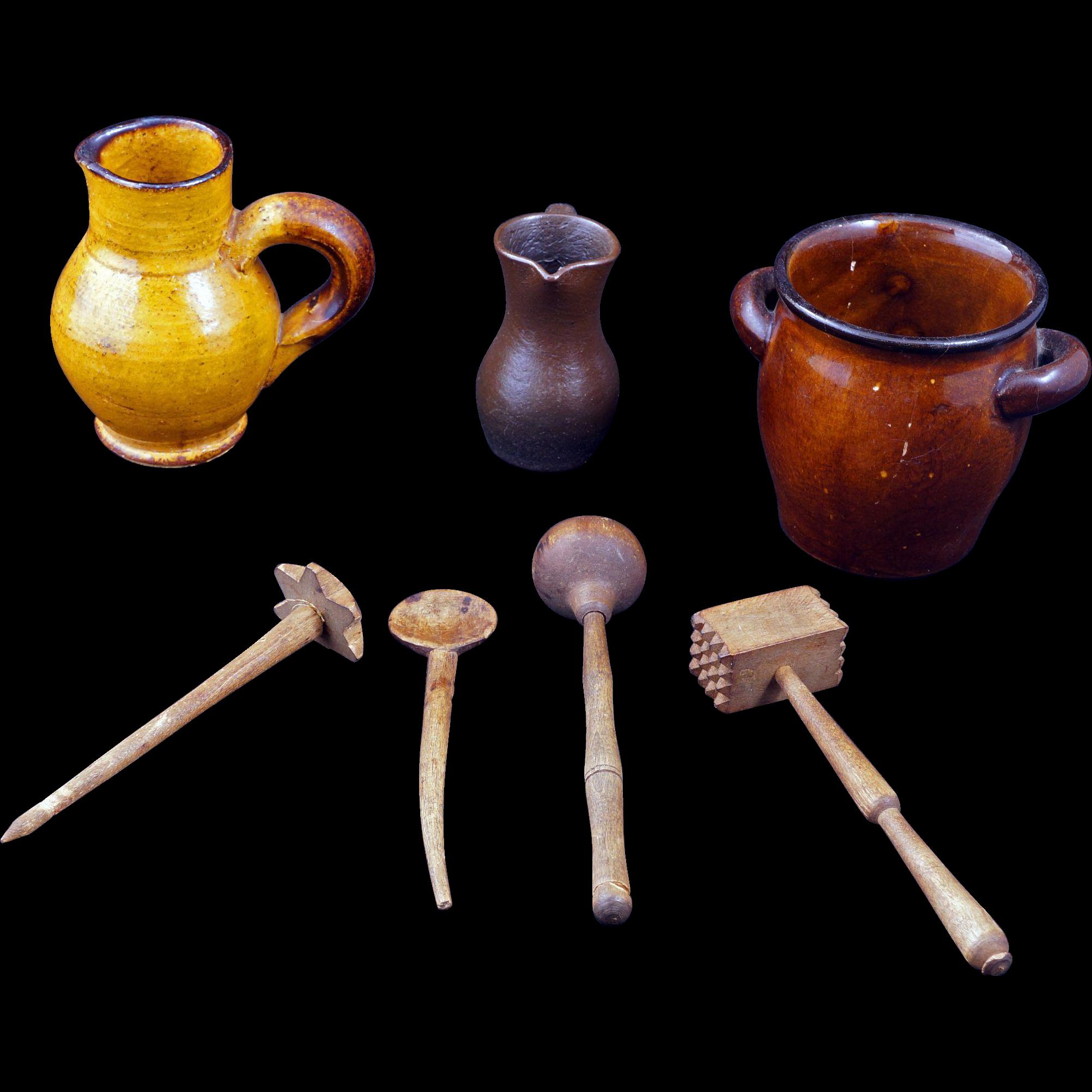 Set of german children s miniature pottery kitchen vessels for Kitchen set items