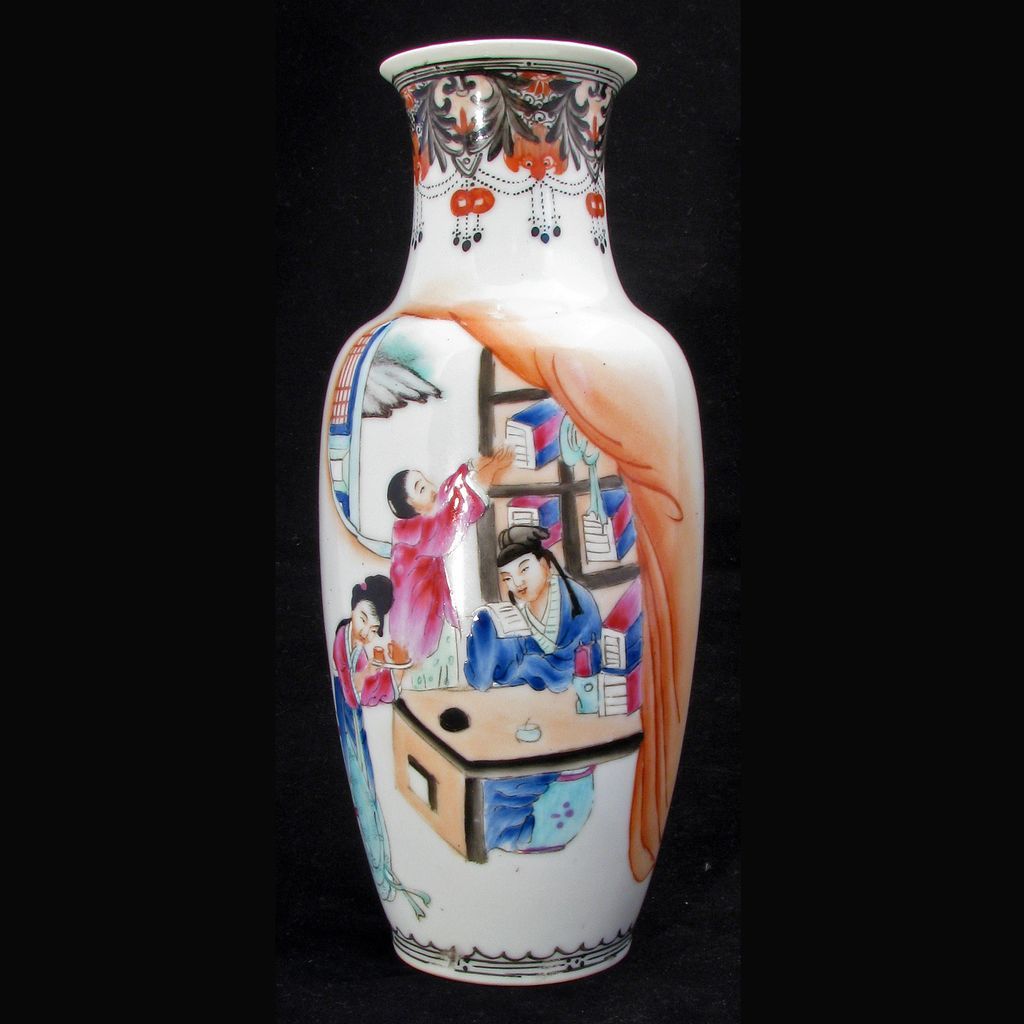 Republic Period early 20th Century Chinese Eggshell Porcelain Vase of Scholar Having Tea