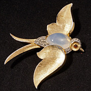Vintage Trifari Fantasies Jelly Belly Large Soaring Bird pin circa 1960