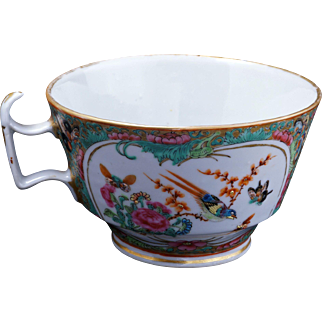 Qing Chinese porcelain rose medallion teacup 19th century
