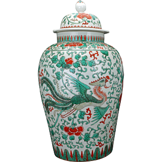 Antique large Chinese porcelain famille verte palace vase or jar with lid early – mid 19th century