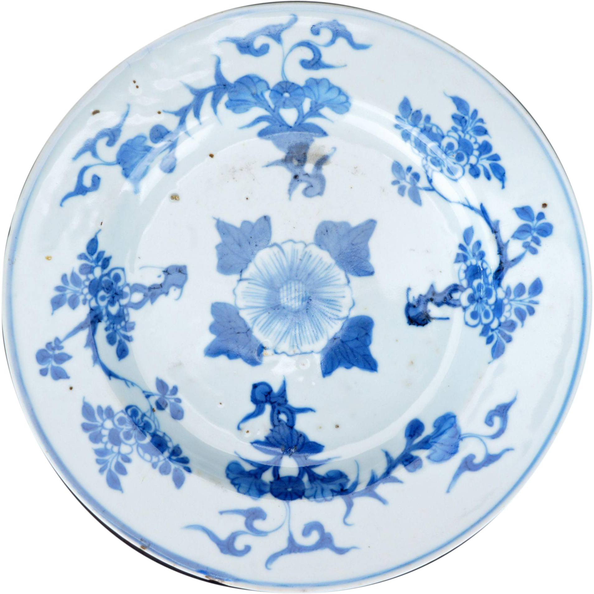 Chinese Kangxi blue and white porcelain plate with floral design 17th century