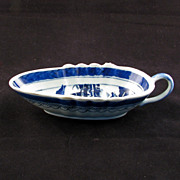 Chinese export porcelain blue and white sauceboat - 18th century