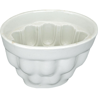 Victorian White Ironstone Food Mold with Gothic Design early 20 th C