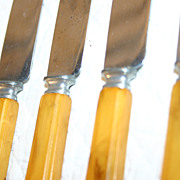 Butterscotch Yellow Bakelite Flatware Set of 4 Knives