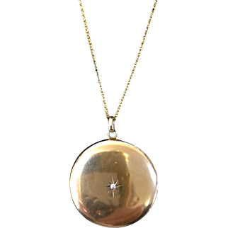 Victorian 10 karat round locket on chain
