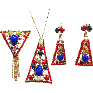 Red white and blue Patriotic pendant, brooch and earring set possibly Juliana