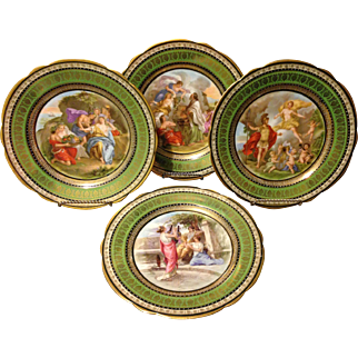 Set of 4 Antonio Salviati Venezia Greek Key Scenic Beaded Gold Accent Plates