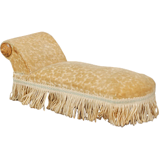 Fashionable Dollhouse Chaise  Lounge