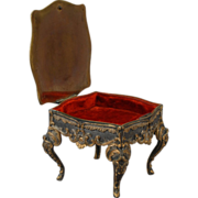 Table-form Jewel Box