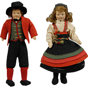 Pair of Ronnaug Petterssen Norwegian Dolls