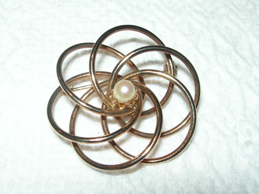 Vintage Gold-toned & Faux Pearl Brooch