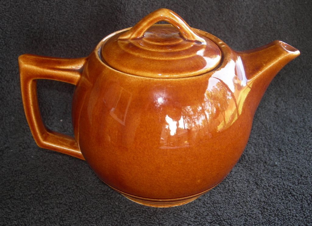 Vintage McCoy Teapot with country charm!