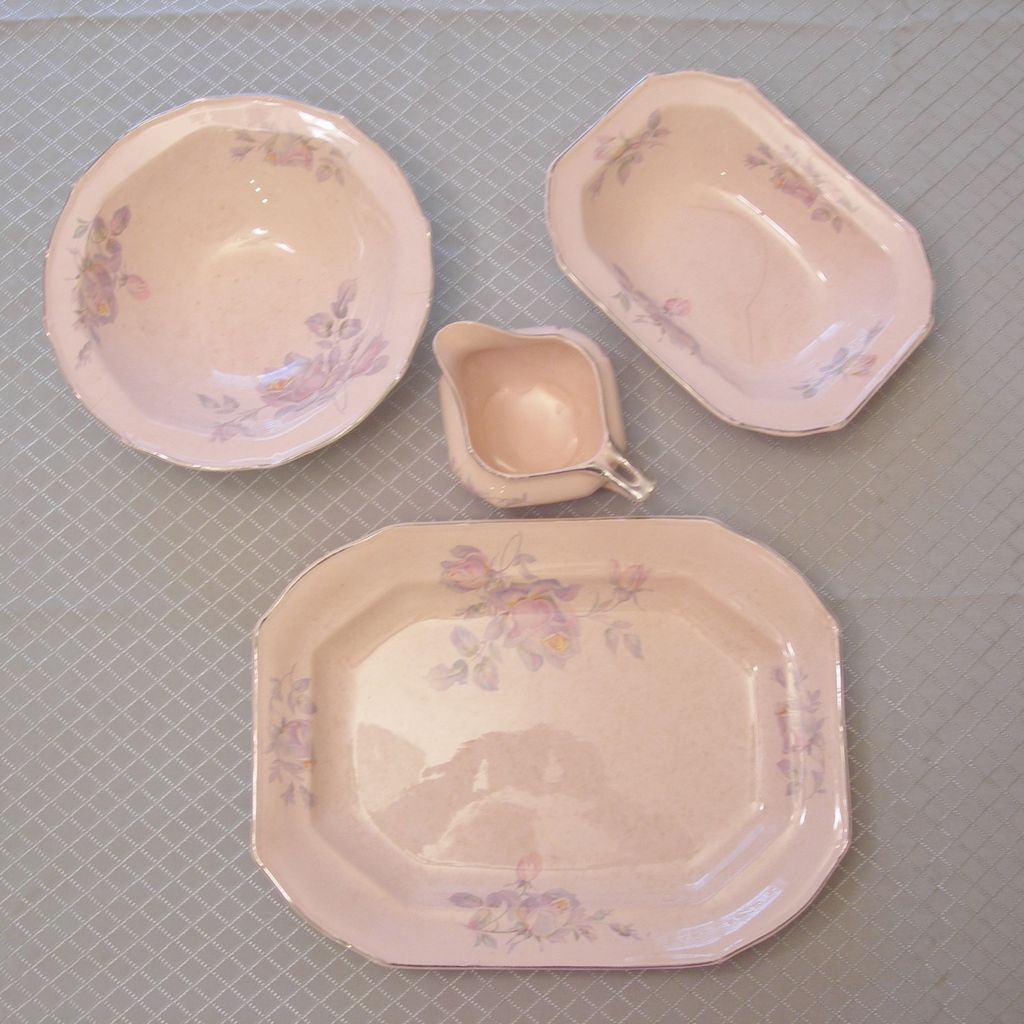 4 Piece Taylor Smith Taylor Serving Set