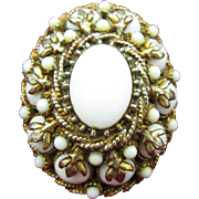 High Domed HAR Brooch with fluer di lis prongs