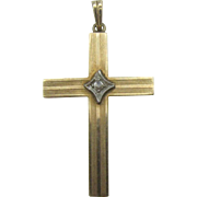 10K gold Cross pendent with diamond