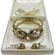 1950's Crown Trifari Parure Meteor Bracelet, pin, earrings