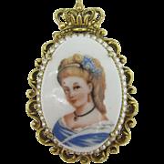 FLORENZA Beautiful Limoges Lady pendent