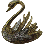 Beautiful Swan brooch $ 10 dollar special